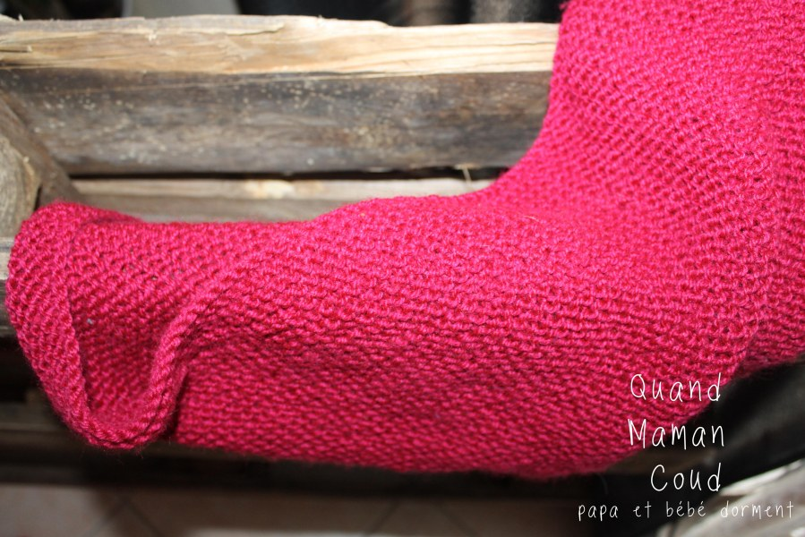 tricot : châle couleur framboise