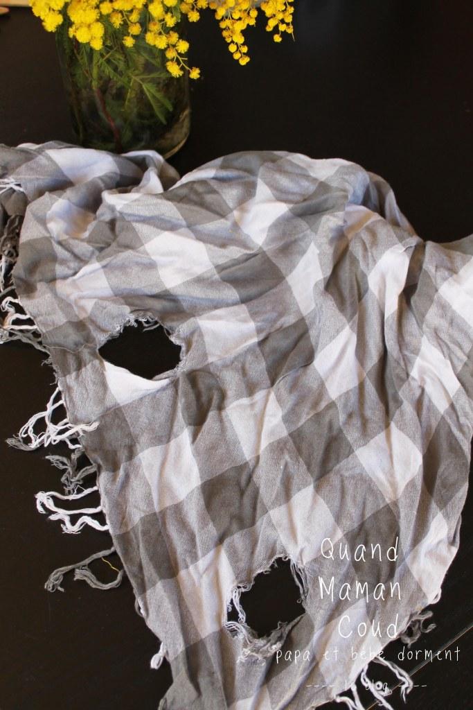 avant/après recyclage d'une écharpe en tunique